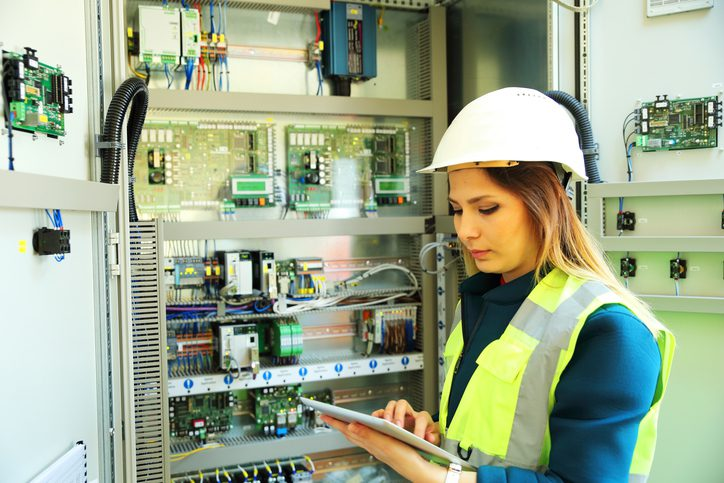 When Should You Call a Commercial Electrician?